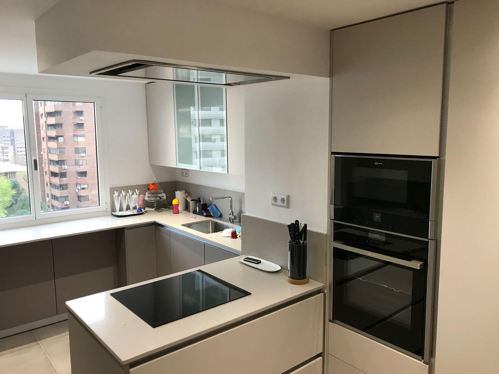 Diseño e instalación de cocina moderna en el centro de Madrid